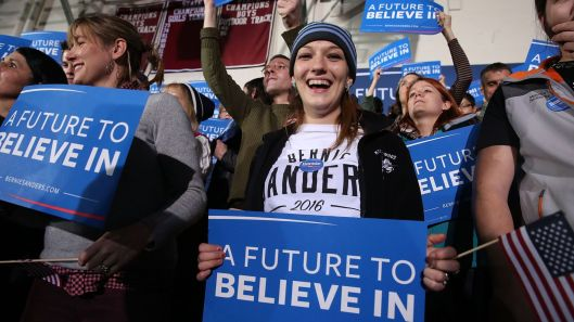 Young women voters supporting Bernie Sanders
