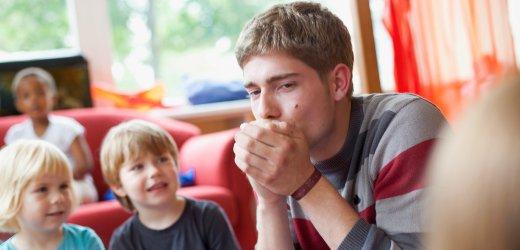 Male childcare worker (via www.spiegel.de)
